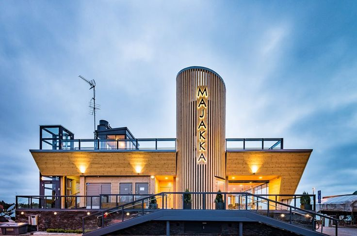 Café Nokkalan Majakka, built with Honkarakenne's non-settling logs, represents ambitious and modern wood construction in maritime surroundings.