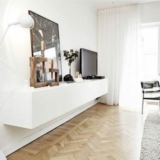 Ikea hyllor, går att måla om också, finns i flera varianter