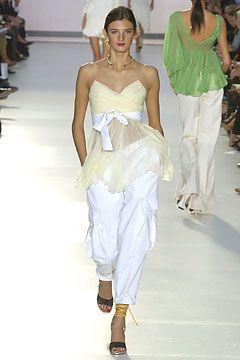 Chloé Spring 2004 Ready-to-Wear Fashion Show - Kamila Szczawinska, Stella McCartney