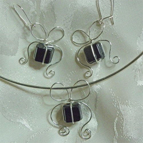 Wirework Jewelry Tutorial Just Because Bow Wrapped by theHeartship, $4.00