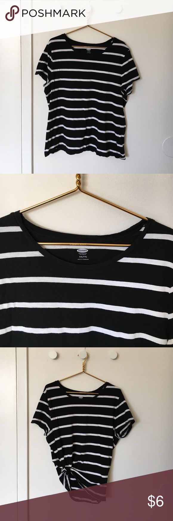 Striped old navy tee Black and white striped cotton T-shirt. Worn as an oversized T-shirt. Super comfy and cute tied up to the side. Old Navy Tops Tees - Short Sleeve