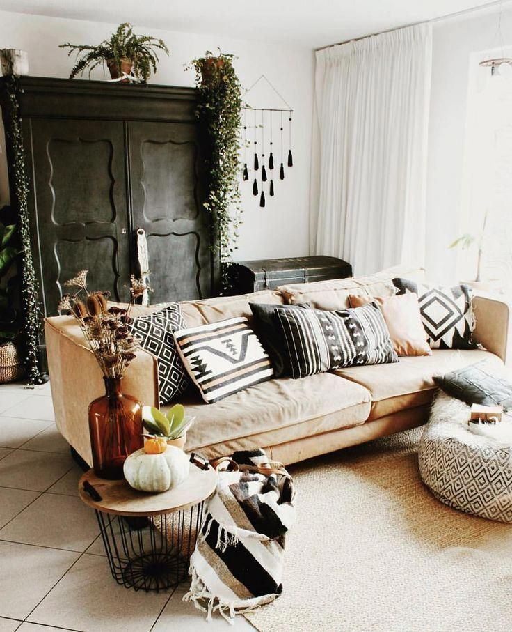 What S Hot On Pinterest 7 Bohemian Interior Design Ideas Apartment Decor House Interior Living Room Decor
