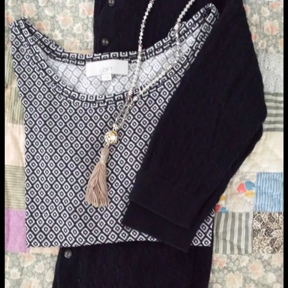 Loft short sleeve black and white top Loft short sleeve black and white top. Wear it casual or dress it up! Perfect condition. Worn once. Machine wash cold. Tommy Hilfiger sweater for sale in seperate listing. LOFT Tops Blouses