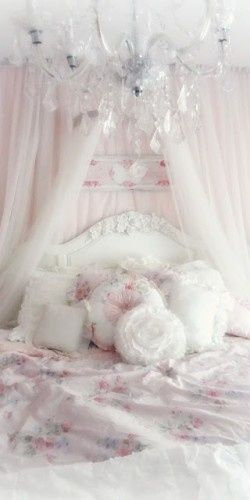 l love this shabby chic bedroom. -