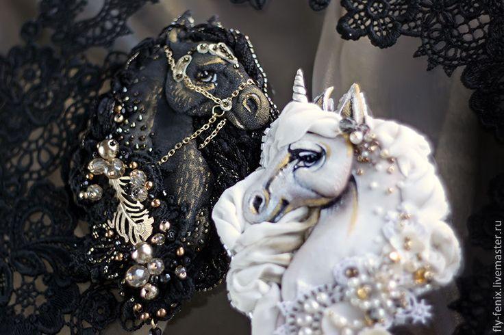 """Купить Брошь-кулон """"Чёрный Конь"""" из коллекции """"Шахматные Легенды"""" - черный, украшение, уникальное украшение"""