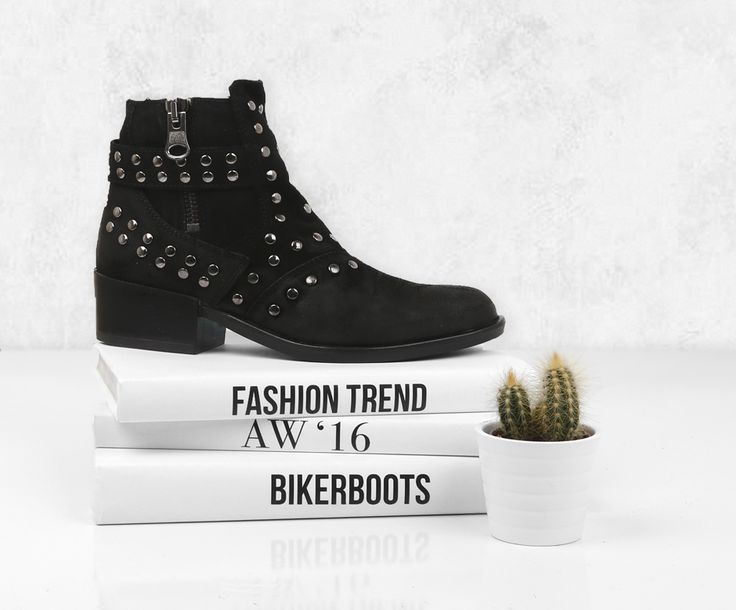 Enkellaars | Black Boot | Studs | Trend shoes | Musthave | Poelman