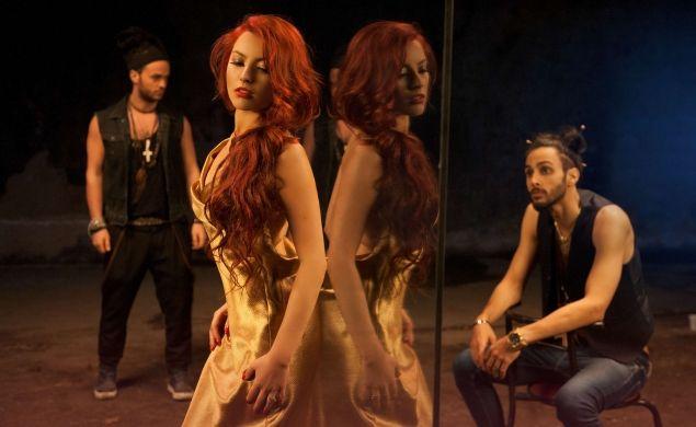 Glance feat. Elena & Naguale - In bucati (single si videoclip nou)