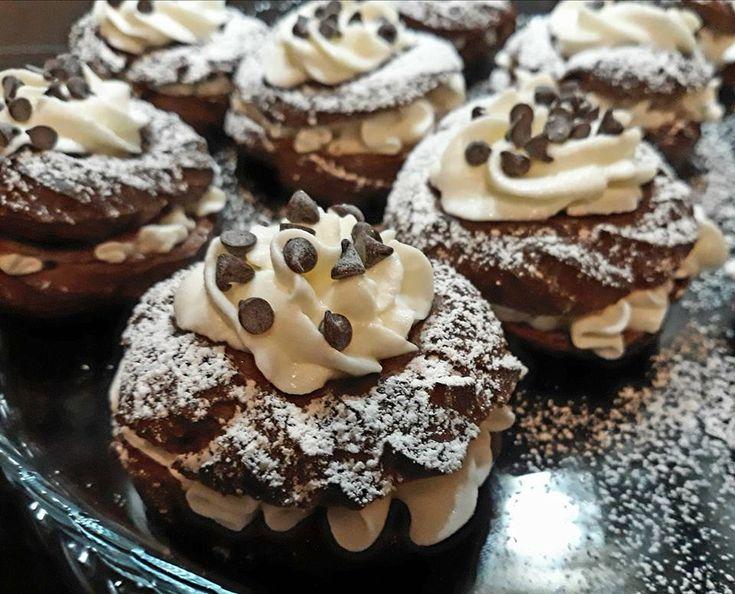 Le zeppole al cioccolato sono una golosa alternativa al classico dolce che si prepara il giorno della festa del papà. Cotte al forno, ma a...