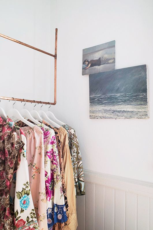 a nook, a makeover, and some beautiful paint.: Copper Pipes, Diy'S Copper, Copper Hanging, Minis Closet, Copper Closet, Diy'S Clothing, Rosegold Copper, Hanging Clothing, Pipes Hanging