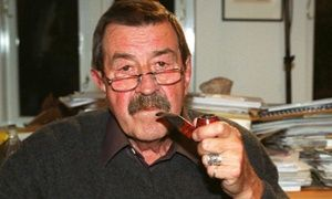 Günter Grass with pipe