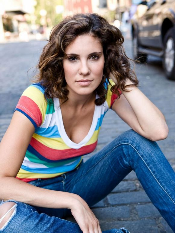 Daniela Ruah short curly bob haircut