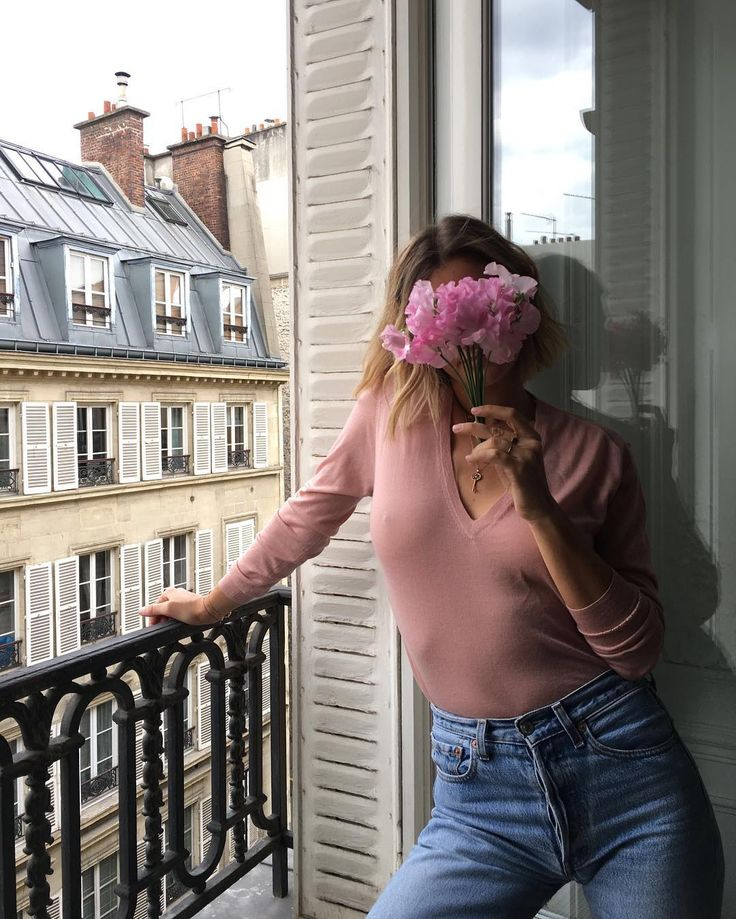 Think pink with the stunning @adenorah wearing @fine_paris 🌸🌸🌸 #adenorah#fine_paris#thinkpink#paris#cashmere