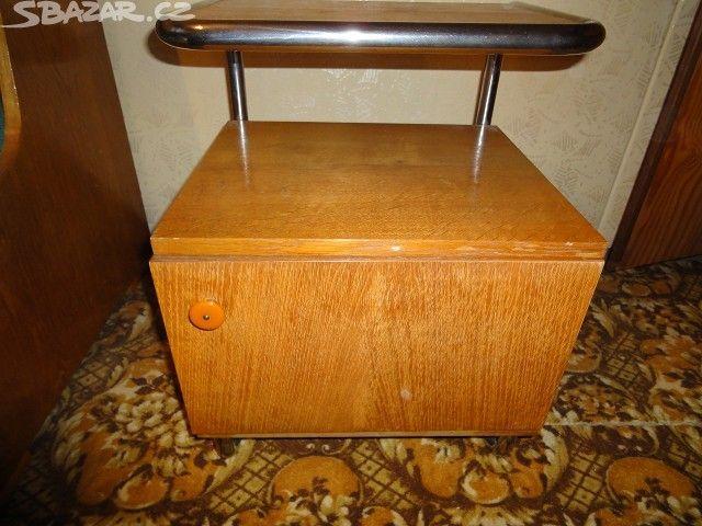 Prodám 2 noční stolky - obrázek číslo 1