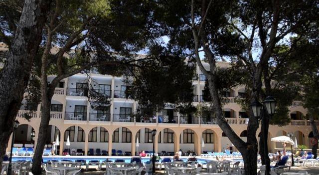 Hotel Diamant - 3 Star #Hotel - $77 - #Hotels #Spain #CalaRatjada http://www.justigo.in/hotels/spain/cala-ratjada/diamant_12573.html