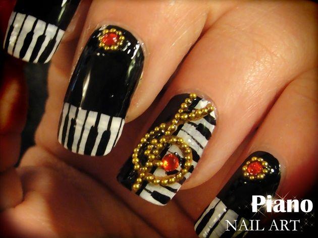 Piano nail art by Pinkflyingcow - Nail Art Gallery nailartgallery.nailsmag.com by Nails Magazine www.nailsmag.com #nailart