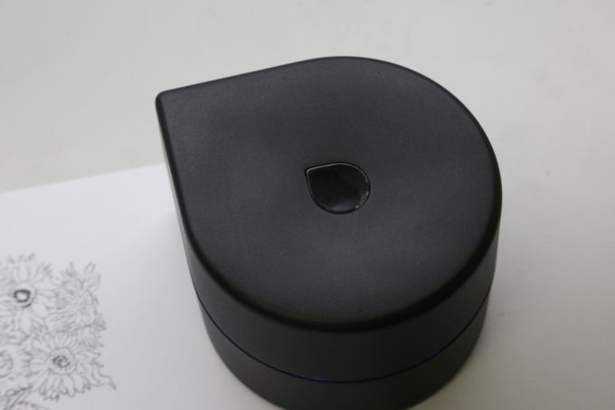 ZUtA demos its mobile robotic printer -  After finding success on Kickstarter, ZUtA Labs is piecing together its mobile robotic printer. Small enough to fit into the palm of your hand, thefour-inch wireless device makes it easy to produce images on the go. The printer rolls back and forth over a piece of paper, until the o... | http://goo.gl/RT9AfU