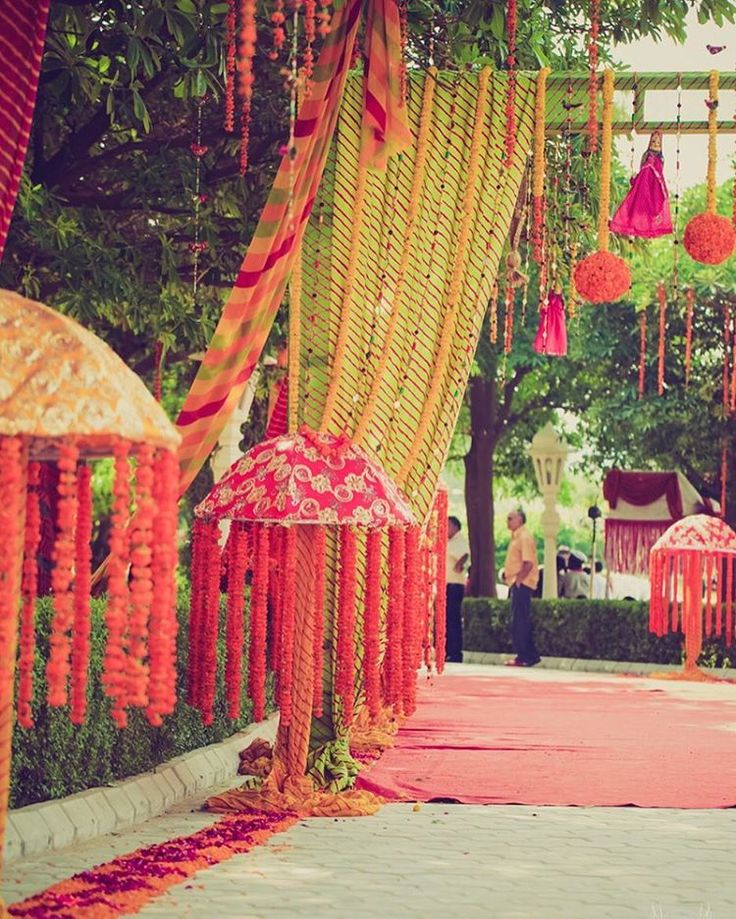 """""""This Mehendi had pottery wheels , puppets and live bangle makers ! See the full story on WedMeGood.com  venue : gold palace resort Jaipur , photo :…"""""""