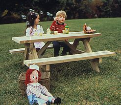 Kid's Picnic Table : Large-format Paper Woodworking Plan from WOOD Magazine