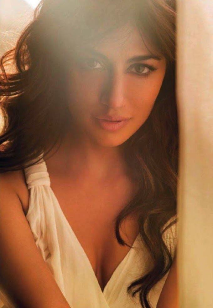 chitrangada singh hot photoshoot for maxim