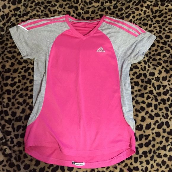 Adidas Workout Shirt Fitted Workout shirt! Adidas Tops Tees - Short Sleeve