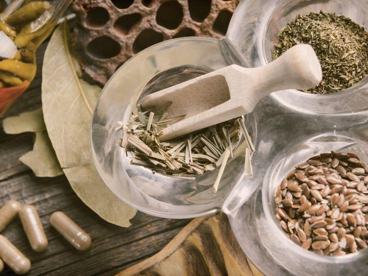 Les 25 meilleurs remèdes naturels les plus efficaces pour contrer la bronchite aiguë et chronique.