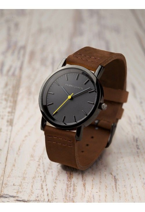 Watch with leather detail//