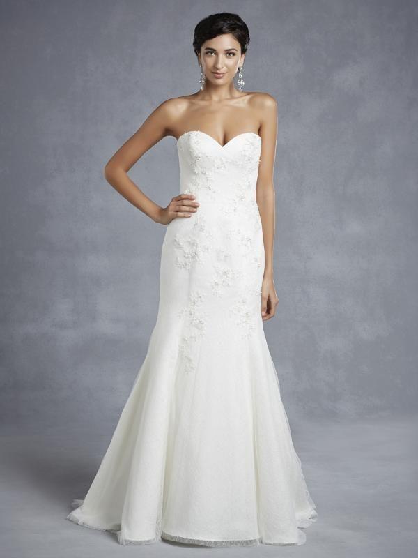 Igen Szalon wedding dress- BT15-32 #igenszalon #beautiful #weddingdress #bridalgown #eskuvoiruha #menyasszonyiruha #eskuvo #menyasszony #Budapest