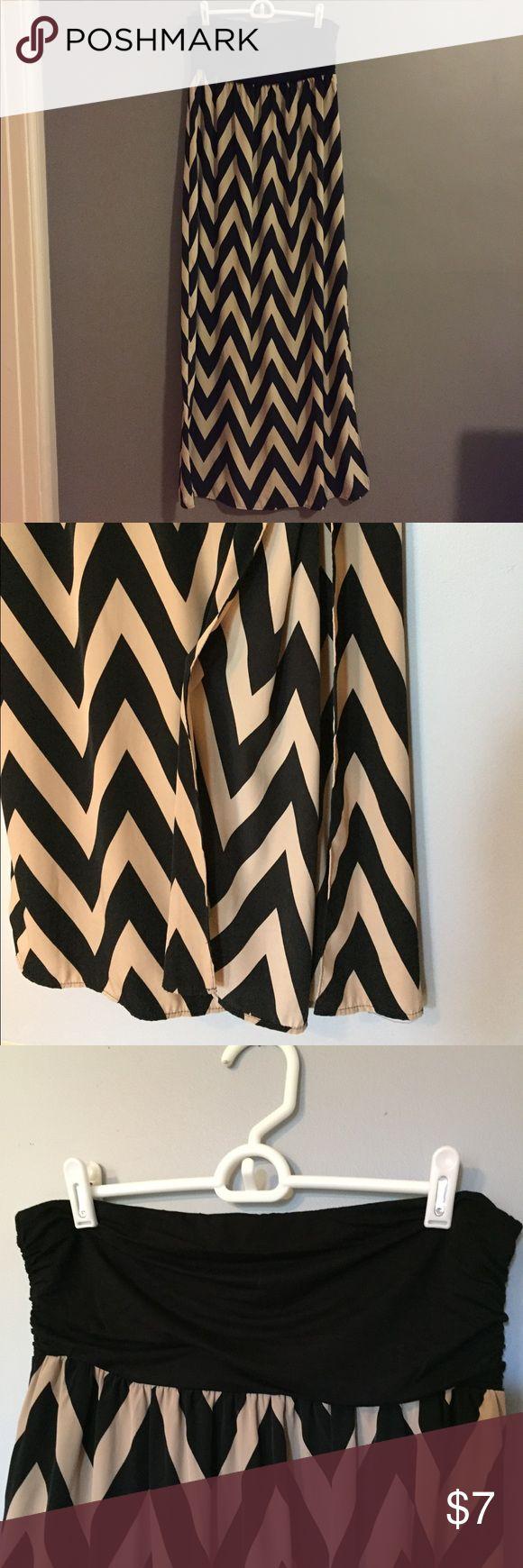Forever 21 Strapless Maxi Dress, L Forever 21 Strapless Chevron Maxi Dress, knee high slit on L side, Size L Forever 21 Dresses Maxi