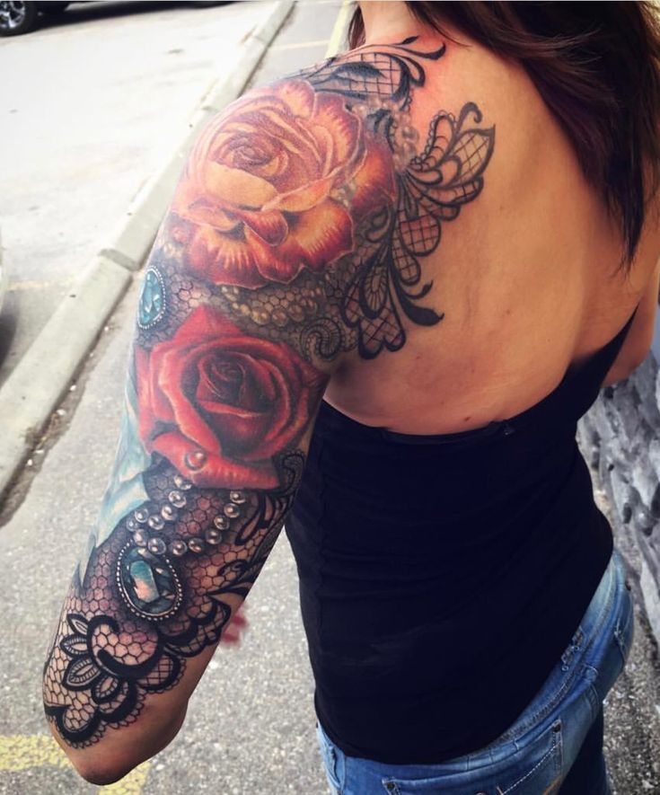 Roses And Lace Half Sleeve By Samantha Storey Edmonton Ab Tatuering In 2020 Girls With Sleeve Tattoos Lace Sleeve Tattoos Lace Tattoo