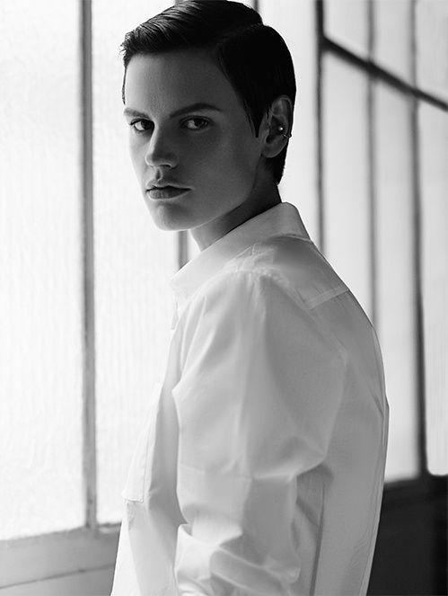 Le livre The Accidental Fold du mannequin Saskia de Brauw   Vogue