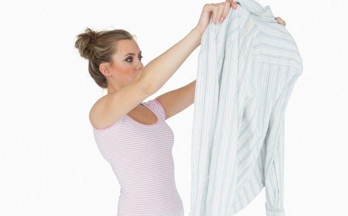Aprende cómo quitar manchas de resina de la ropa