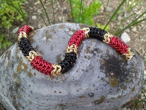 How to Make a Chain Maille Bracelet Using the Round Maille Weave - YouTube