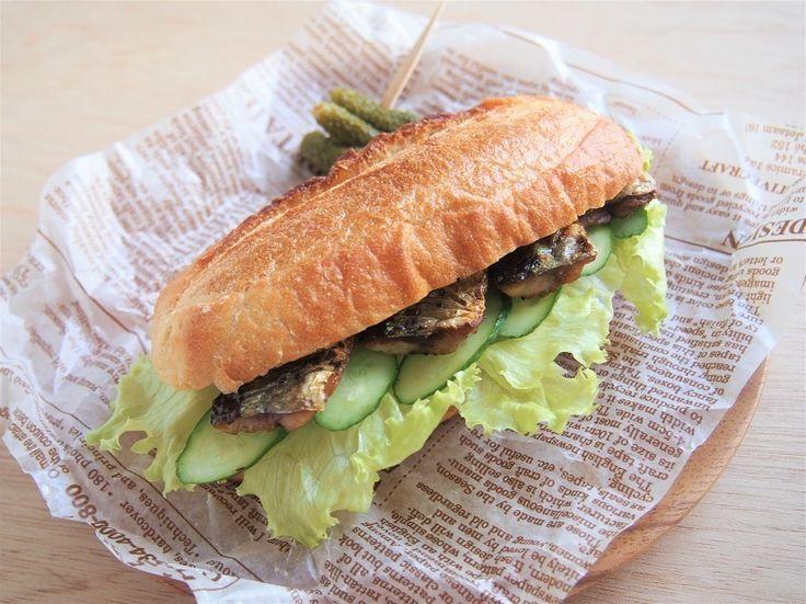 [写真] 秋刀魚とパンが合う。三枚におろす方法も紹介する「秋刀魚サンド」のレシピ(roomie) - エキサイトニュース