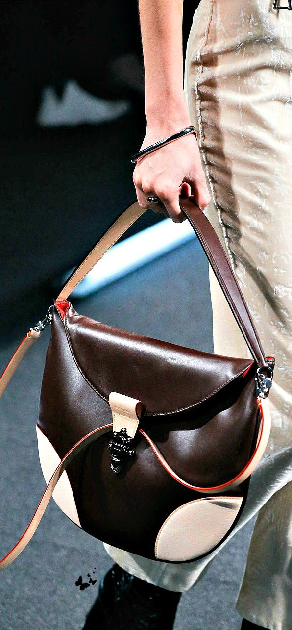 Louis Vuitton Spring 2015 Ready-to-Wear - thanks to not using monogram pattern