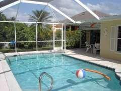 Ferienhaus Cape Coral: Ferienhaus Dolphin mit Pool - 200 Meter zum Strand