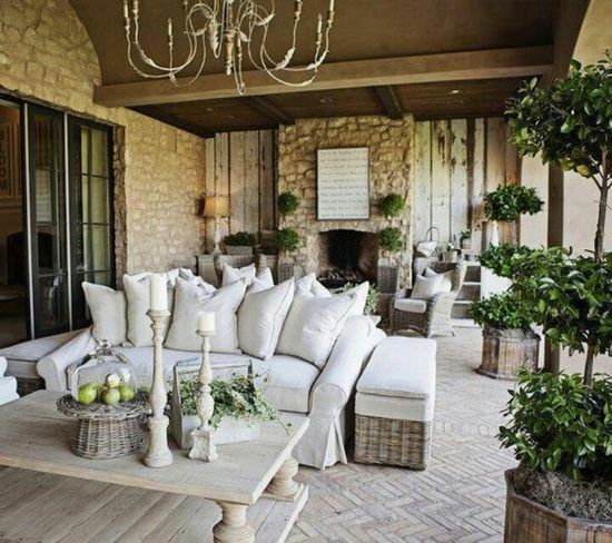 The Enchanted Home: Outdoor seating.   Coffee table inside or out DIY?  Rolling basket ottomans