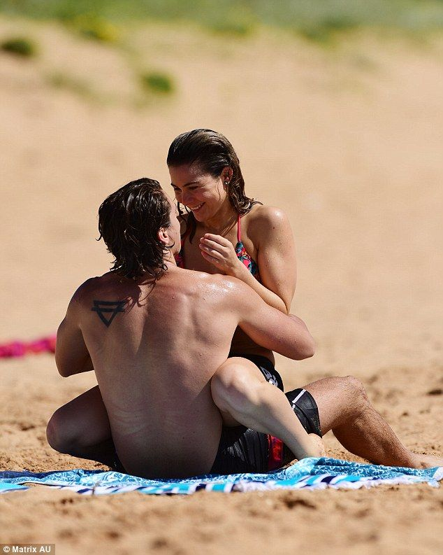 Getting steamy in Summer Bay: The 26-year-old was seen putting on an amorous…