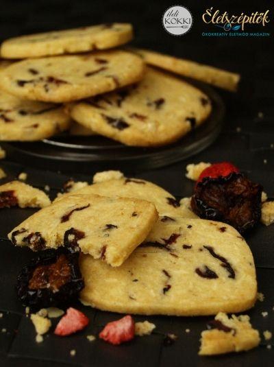 Aszalt gyümölcsös házi keksz