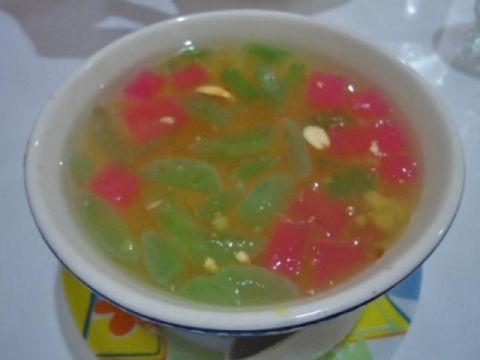 Sekoteng dan Soto Hidangan Tradisi Peranakan Cina