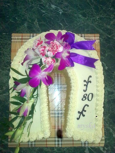 k 80. narozeninám s živou květinou