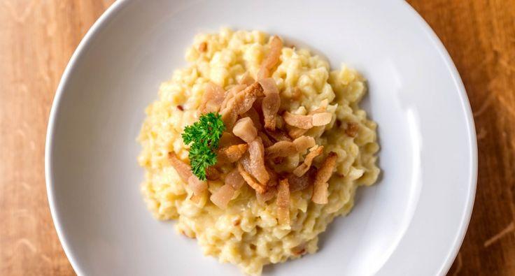 Juhtúrós sztrapacska recept 2.: A klasszikus juhtúrós sztrapacska receptje, tejföl nélküli változat. Más néven Bryndzové halušky. Laktató, és finom étel! ;)