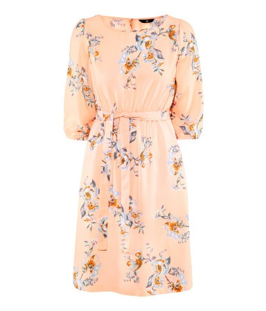 Knee-length chiffon dress with elastication and a tie at the waist, 3/4-length elasticated sleeves, and a button at the back of the neck
