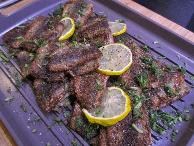 Tinskun keittiössä: Leivitetyt silakkapihvit, viljattomat
