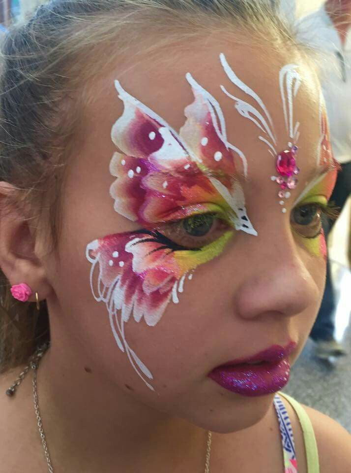 Annie Reynolds Butterfly Face Painting Design