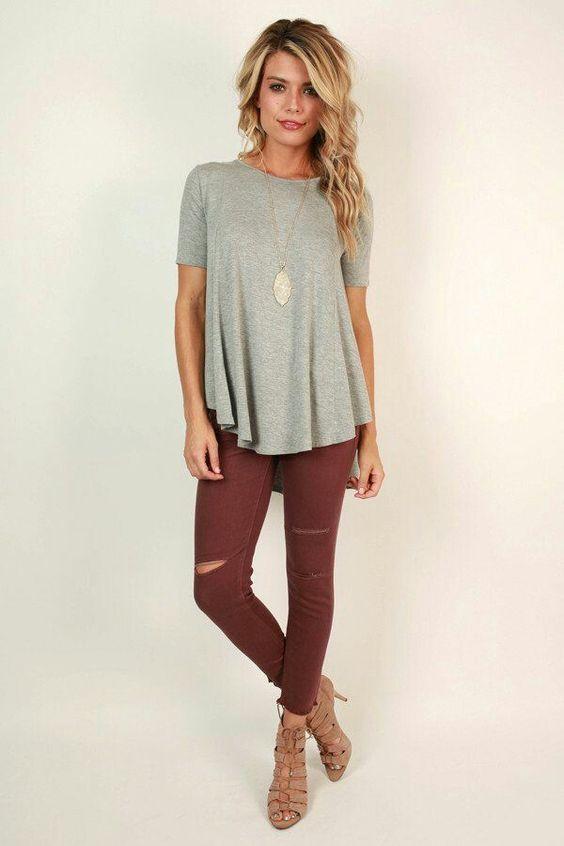 Distintas formas de llevar una camiseta gris. ¡Sácale todo el provecho a ésta prenda! Fashion tips by Icon. Asesoría de imagen Medellín. Presencial-Online.