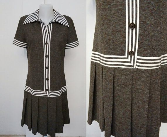 BUTTE KNIT 1970'S vintage pleated Dress White and by DorisVintage