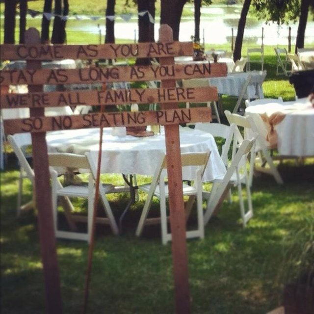 I LOVE this!!!! Come as you are. Stay as long as you can. We are all family here.  So no seating plan.  perfect!!!Crafts Ideas, No Seats Plans, Favorite Places, Shannon Special, Keys West, Seating Plans, Future Ideas, 6 1 2013, Wedding Signs