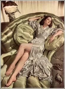 Alexis Smith, 1942