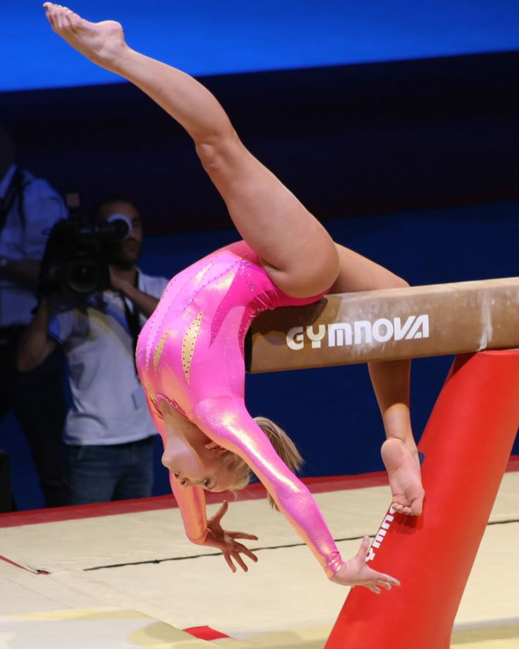 Nastia Liukin on beam