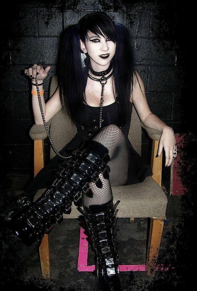 Pin by Brandy D. on Goth Girls   Hot goth girls, Goth